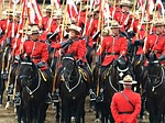 royal canadien mounted police, crowd, peoples