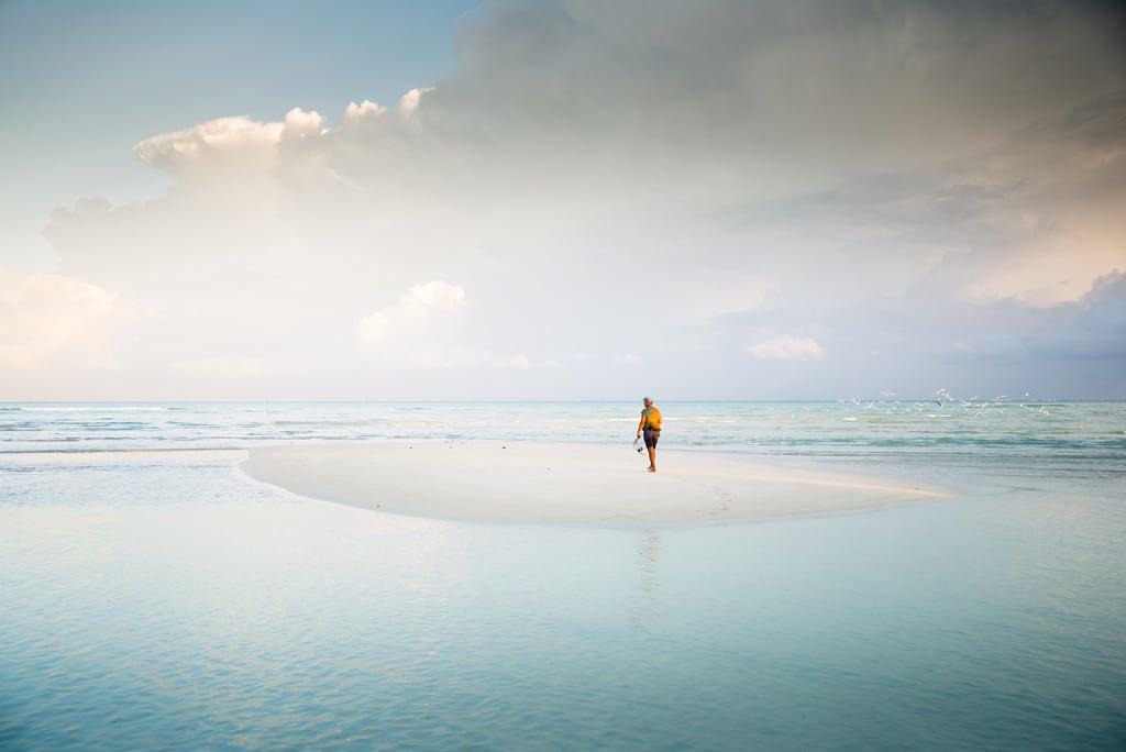 Immagine di Spiaggia con una lunghezza di 1125 metri. beach sunrise fisherman cuba pêcheur plage leverdesoleil cayococo d600 leverdusoleil nikond600