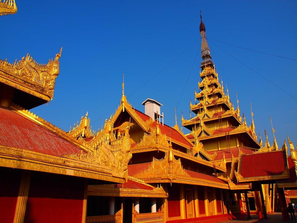 "Imagen de Mandalay Palace. travel nature asia flickr culture natuur buddhism temples myanmar birma mandalay pagodas cultuur reizen azië ""paul travel"" arps ""olympus 2013 ""adventure paularps arps"" epl"""