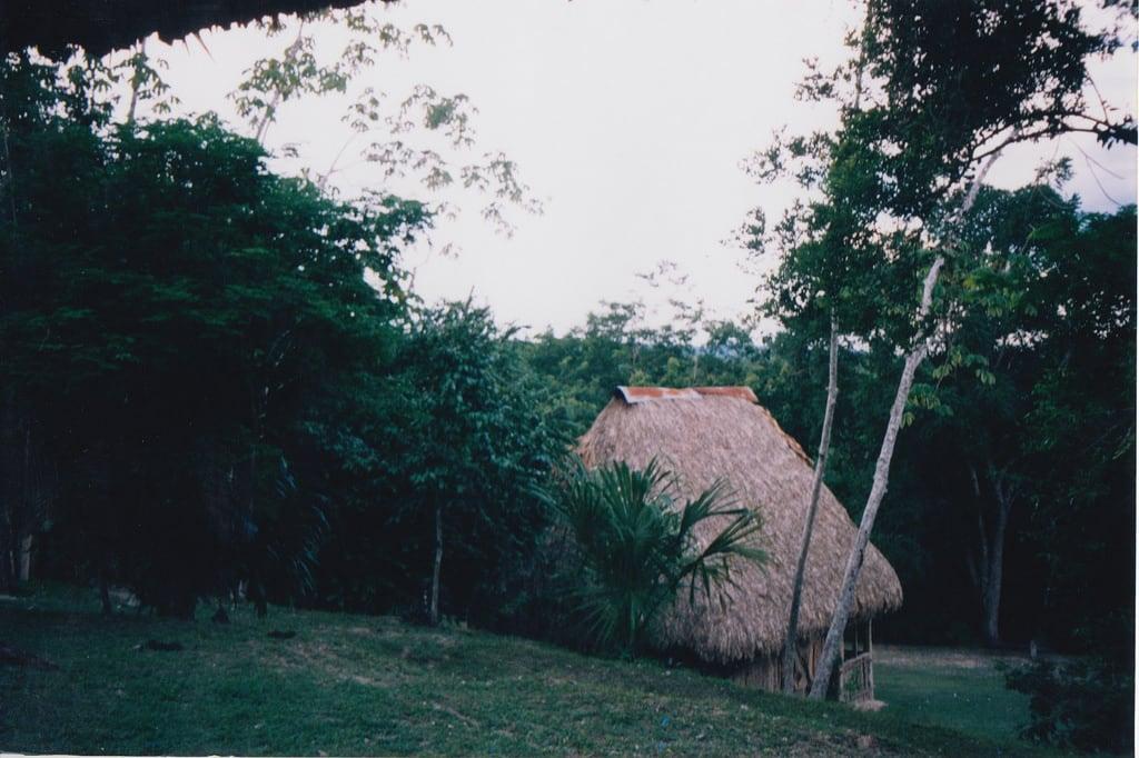 Kuva El Zotz. 2004 guatemala hike tikal elzotz