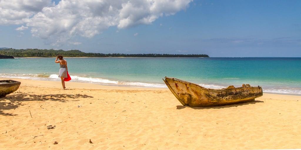 Imagem de Playa Moron perto de Samaná Province. beach boat playa republicadominicana caribe 2014 samana ellimón