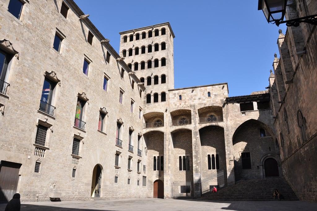 Εικόνα από Arxiu de la Corona d'Aragó. art gallery arte kunst catalonia catalunya cataluña catalan catala katalonien josep catalogne bracons