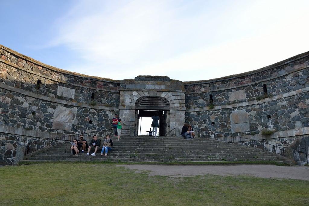 Image of King's Gate. sea mer suomi finland helsinki meer finnland helsingfors bastion fortress suomenlinna sveaborg forteresse festung kingsgate finlande königstor porteroyale