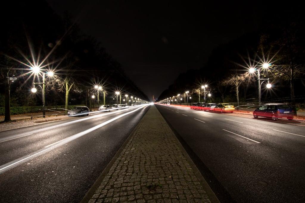 Bild von Karl Liebknecht. berlin sony alpha siegessäule 58 bulbexposure strasedes17juni sonyalpha58 alphaslta58