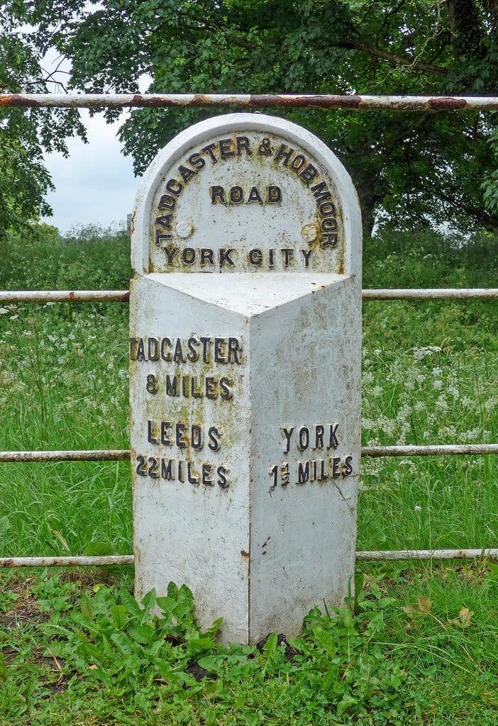 Bild von Hob Stone. york stone leeds milestone mile tadcaster hobmoor dringhouses