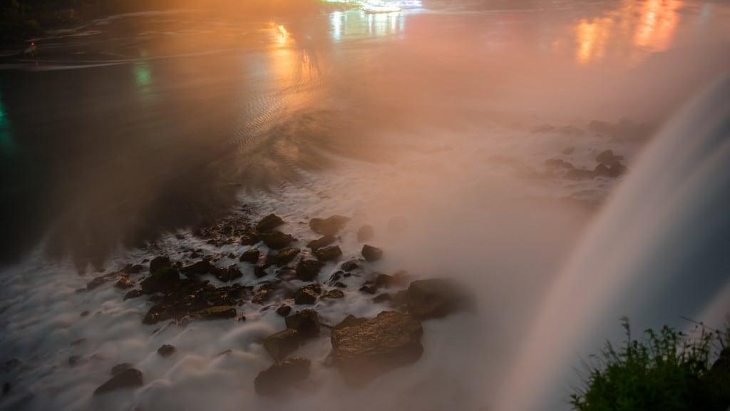 Maid of the Mist Boat Tour の画像. water night niagarafalls buffalo sony electricity americanfalls