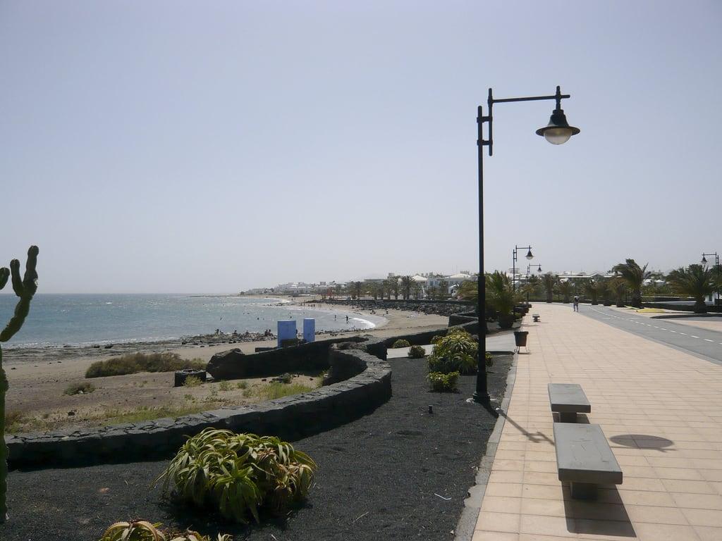 תמונה של חוף באורך של מטר 912. sea holiday beach geotagged spain lanzarote espana canaries canaryislands islascanarias matagorda tias puertodelcarmen