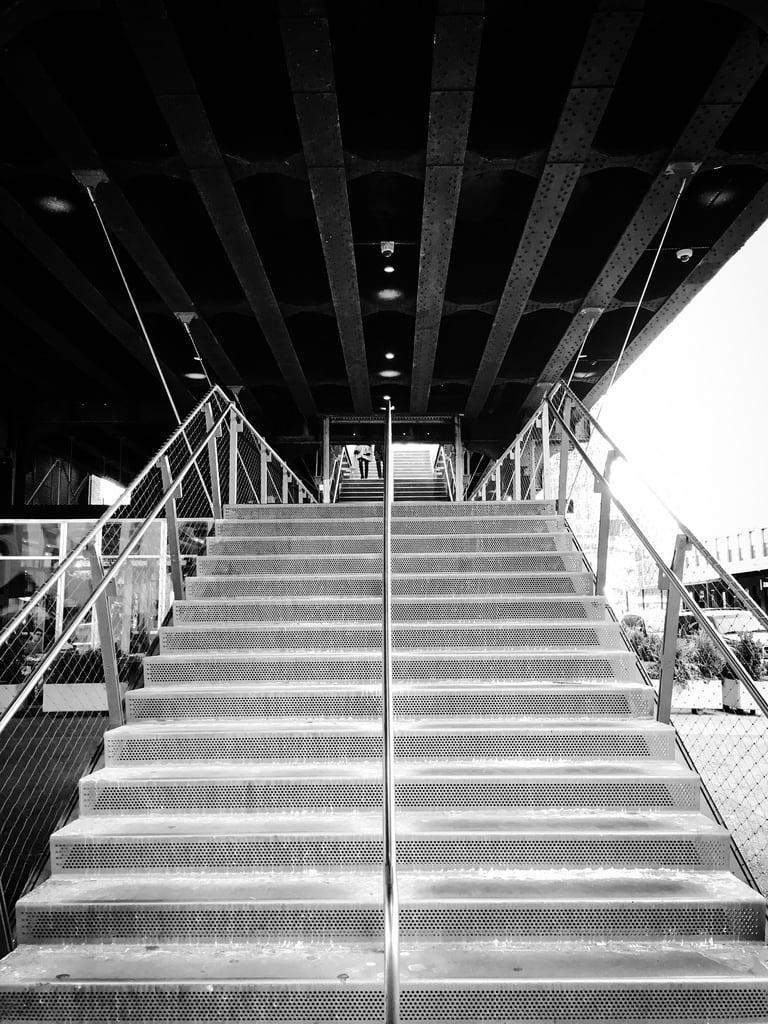 Attēls no The High Line. newyorkcity usa newyork america us unitedstates manhattan unitedstatesofamerica highline iphone 美國 thestates 紐約 紐約市 曼哈頓 highlinepark thecityofnewyork 美利堅合眾國 高線公園 空中鐵道公園 高架公園