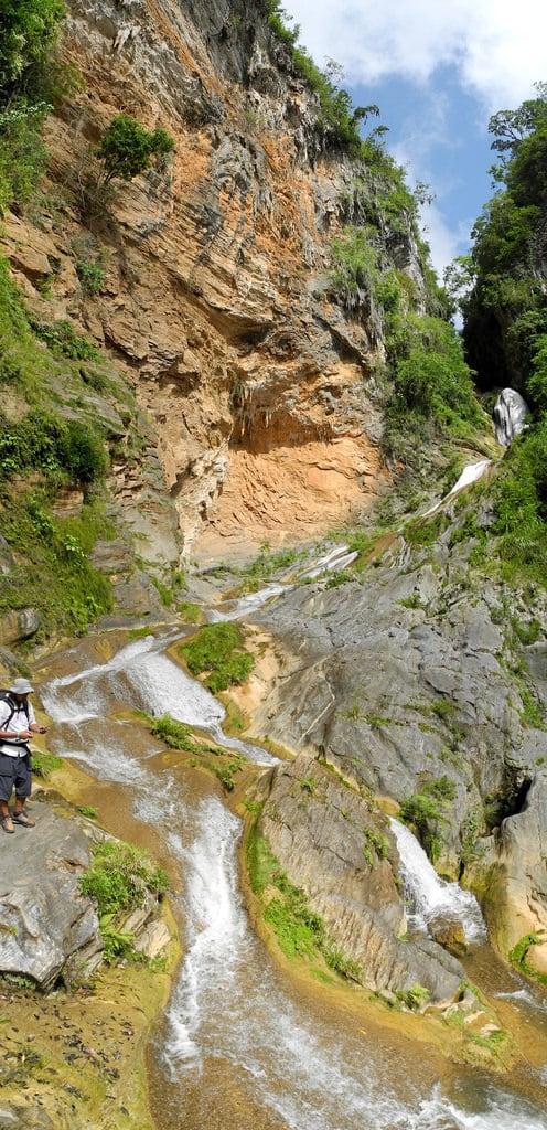 Hình ảnh của Salto del Caburní. panorama topesdecollantes