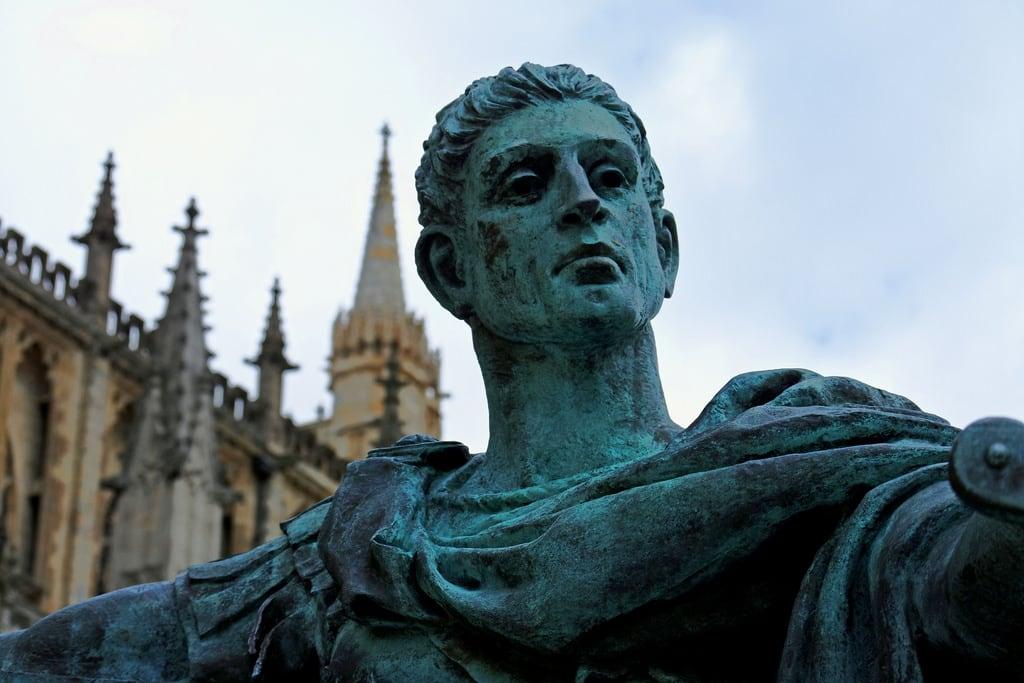 Bild von Emperor Constantine. statue constantine roman emperor 306 philipjackson 1998 bronze york yorkminster