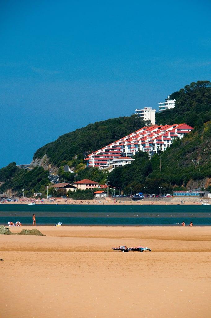 Bild von Playa San Antonio. spain basque country urlaub vacation