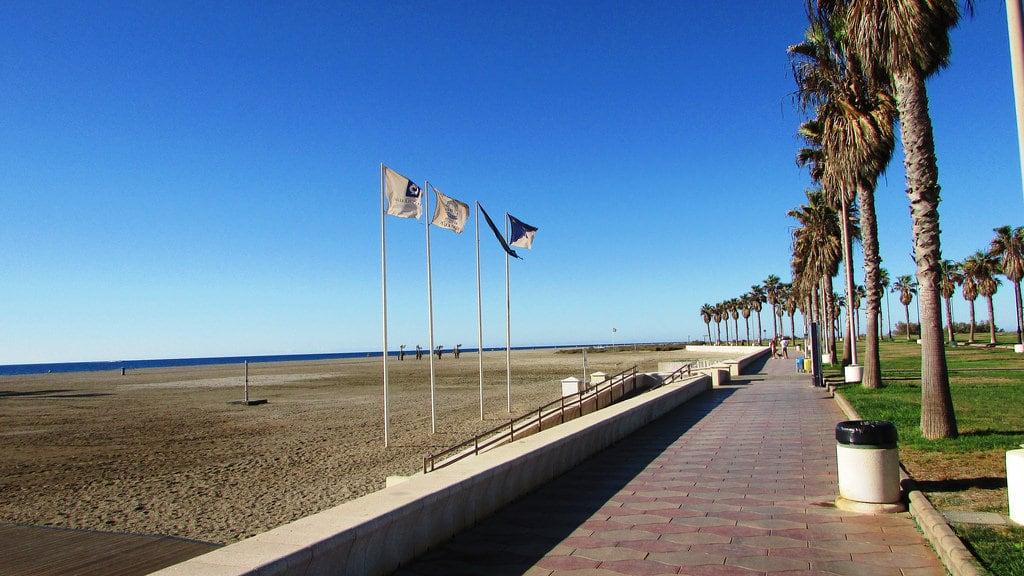 Εικόνα από Playa Serena. spain almeria roquetasdemar beach coast shore palms