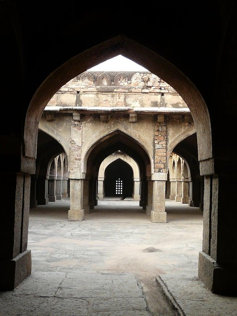 Billede af Khirki Masjid. delhi newdelhi tughlaq jahanpanah tughlak khirkimosque khirkivillage khirkimasjid