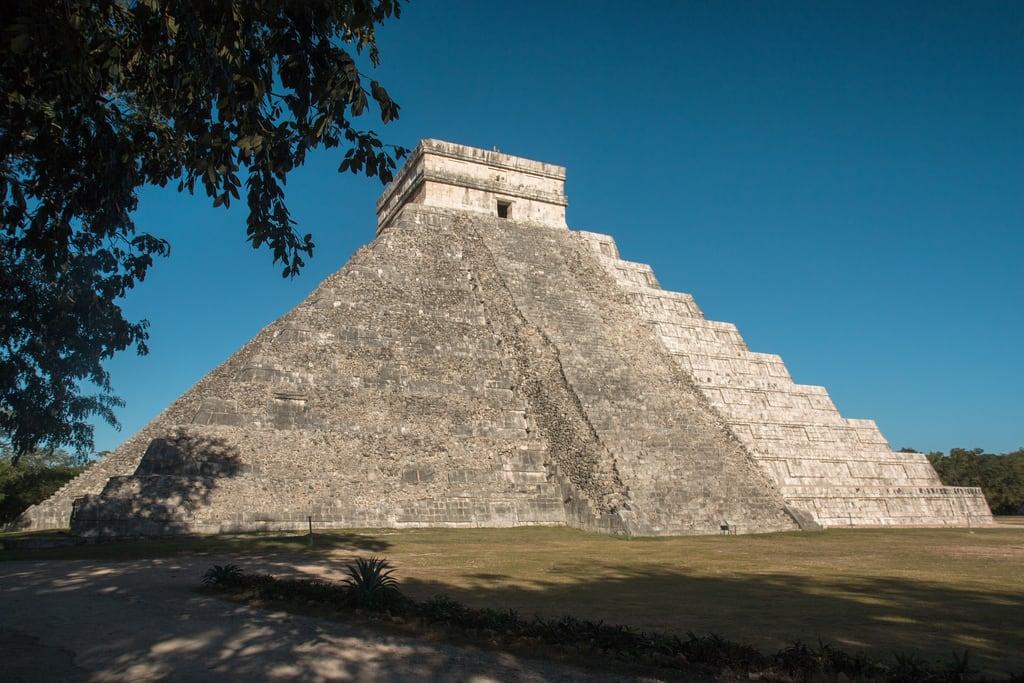 תמונה של Chichen Itzá ליד San Felipe Nuevo. 2017 mexico yucatan january winter mayan chichenitza ruins mexique estadosunidosmexicanos pyramidofkukulkan mexiko 墨西哥 pyramides pyramid
