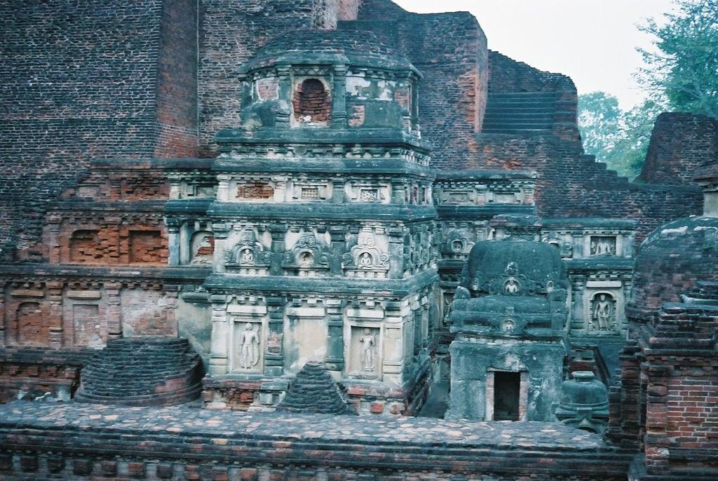 Hình ảnh của Nalanda University ruins gần Silao. travel india geotagged buddhism bihar インド nalanda 仏教 佛教 geo:lat=25135081057671524 geo:lon=8544240653514862