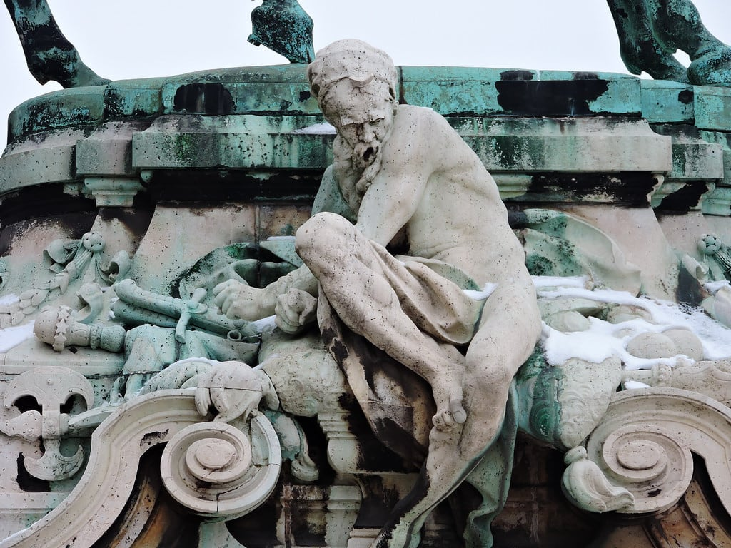 Image of Prince Eugene of Savoy. budapest ブダペスト βουδαπέστη sculpture statue