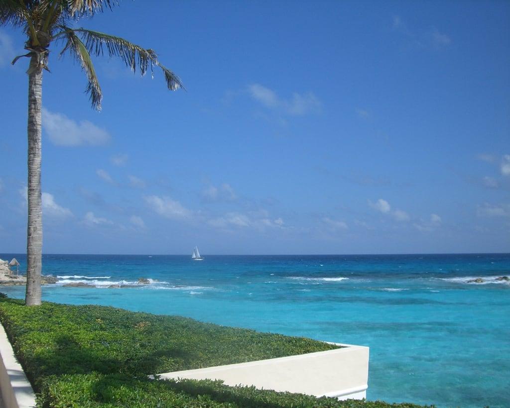 תמונה של Playa Gaviota Azul. ocean blue water clouds mexico sand cancun seashore