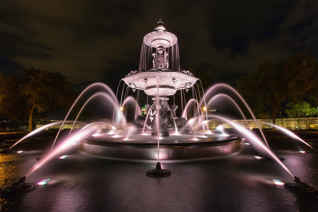Image of Fontaine de Tourny. canoneos5dmarkiii canon 5d3 5diii canon1635mmf28lii 1635mm quebec canada fountain nightview longexposure lafontainedetourny