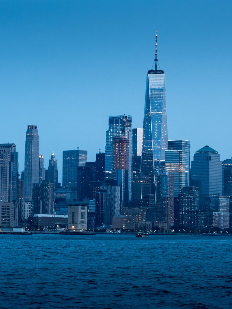 Attēls no Friends Building. america newyork usa unitedstates abroad architecture bluehour buildings cityscape dusk evening holiday holiday2017newyork night outdoors river skyline vacation