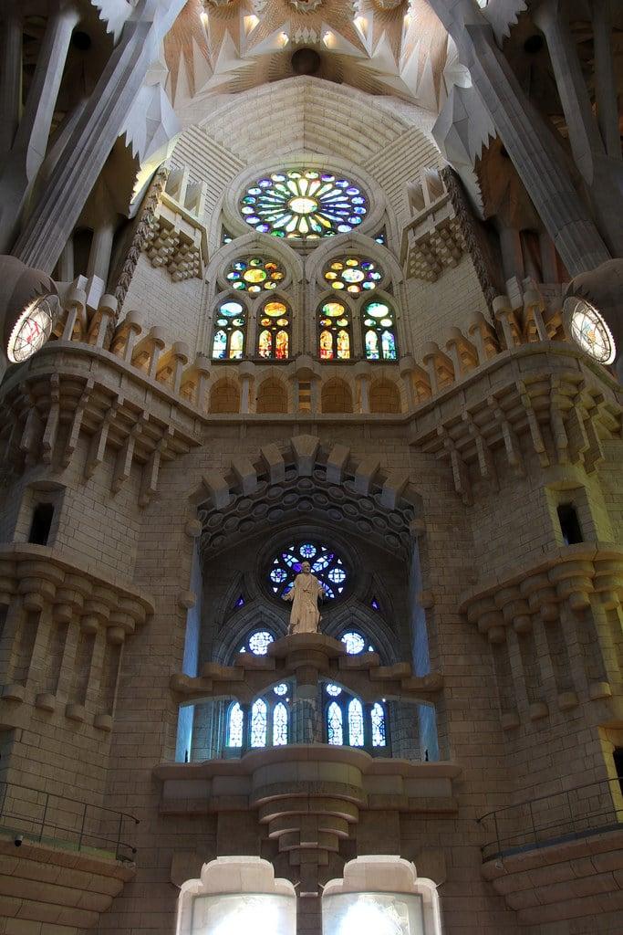 Billede af Basilica de la Sagrada Família i nærheden af Gràcia. barcelona barcelone barcellona catalunya cataluña catalonia catalogne katalánsko catalonien katalonien catalogna catalonië katalonia catalunha espagne spain španělsko spanien españa spagna spanje spania hiszpania espanha may2017 architecture antonigaudí gaudí gaudi modernismecatalan catalanmodernism modernismocatalán artnouveau