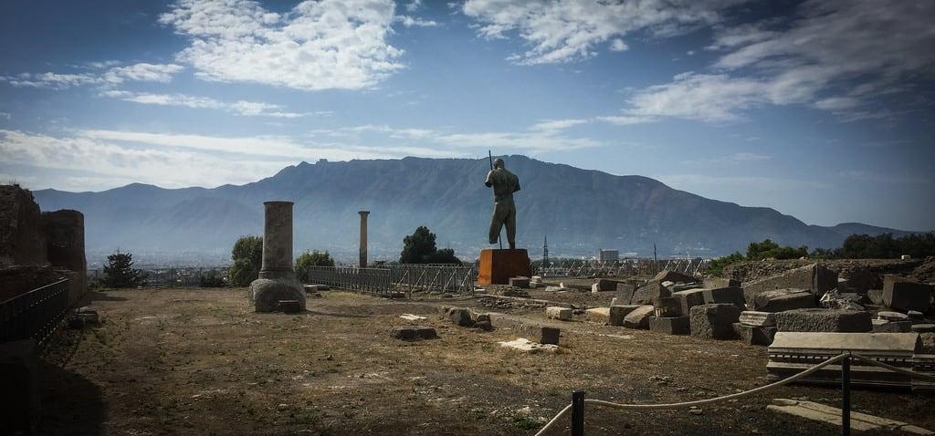 Pompeii の画像. archeology ausgrabungen campania excavations italia italien italy naples napoli neapel pompei pompeii scavi vesuv vesuvio vesuvius volcano vulkan it