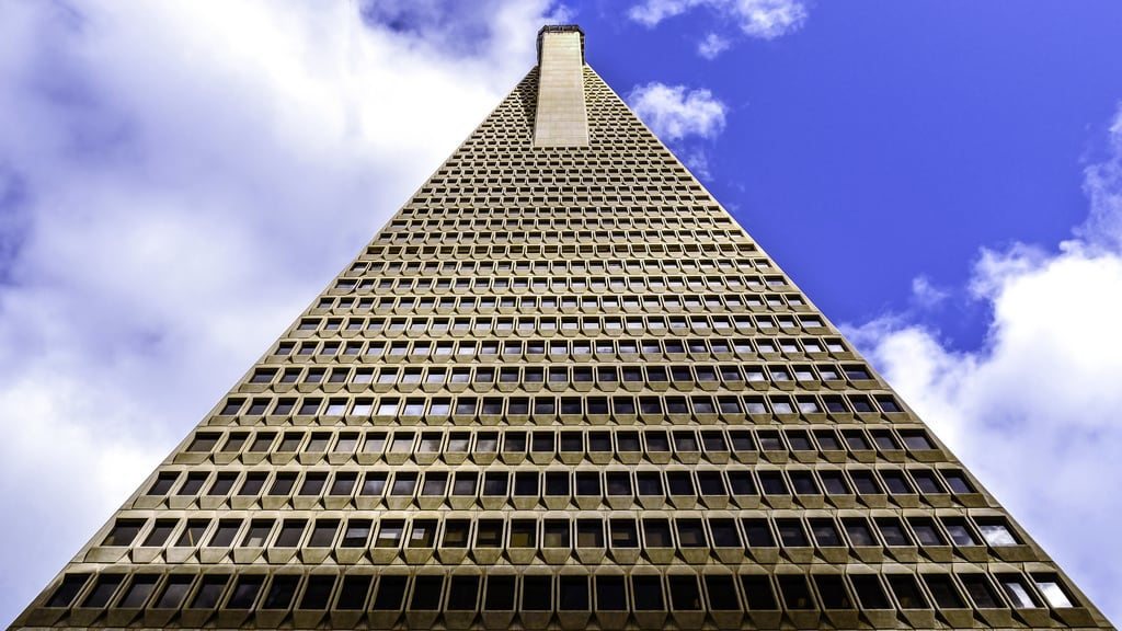 صورة Transamerica Pyramid. post modern architecture pyramid sky scraper city san francisco california ca up tall window cloud glass shadow outdoor blue transamerica