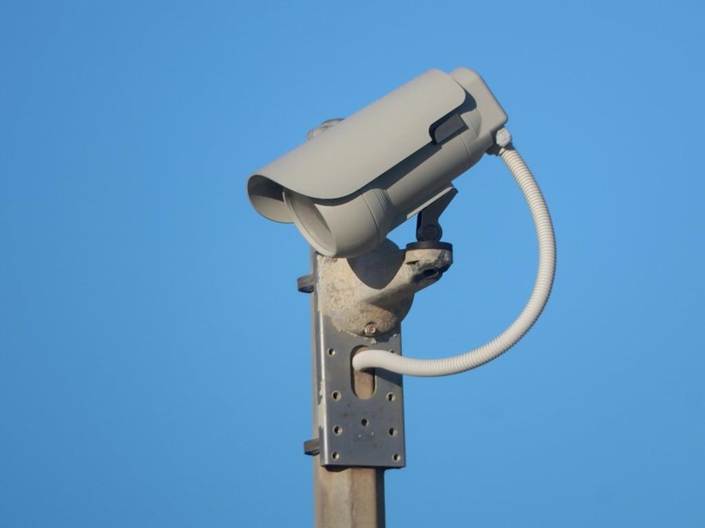 Obraz Plaża o długości 1196 m. camera security surveilance uberveillance cable westbeach