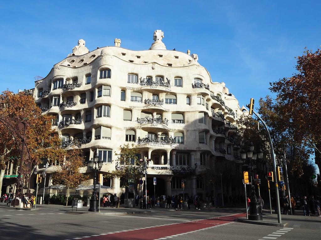 Billede af Casa Milà. antonigaudí barcelona casamilà catalunya lapedrera modernisme