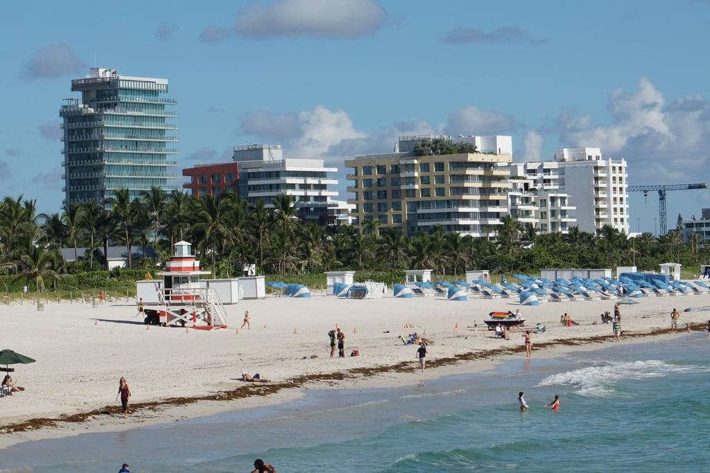 Miami Beach 의 이미지. florida unitedstatesofamerica miami southbeach city sun sand ocean sea waves tropical buildings art deco oceandrive