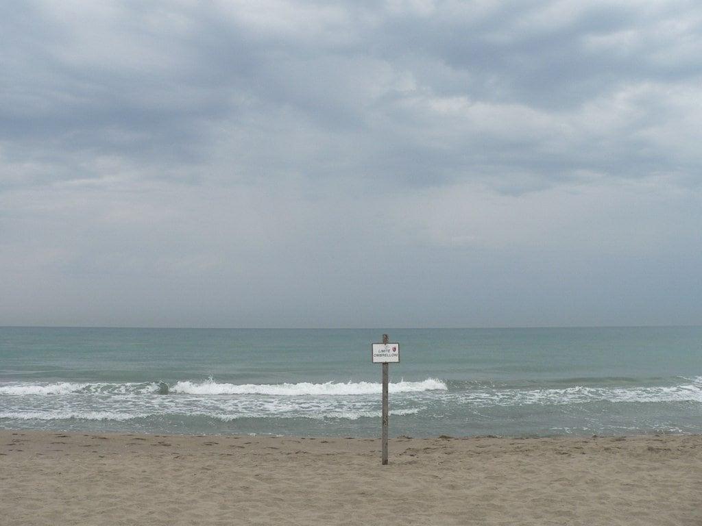 Spiaggia comunale libera di Castelporziano 的形象.
