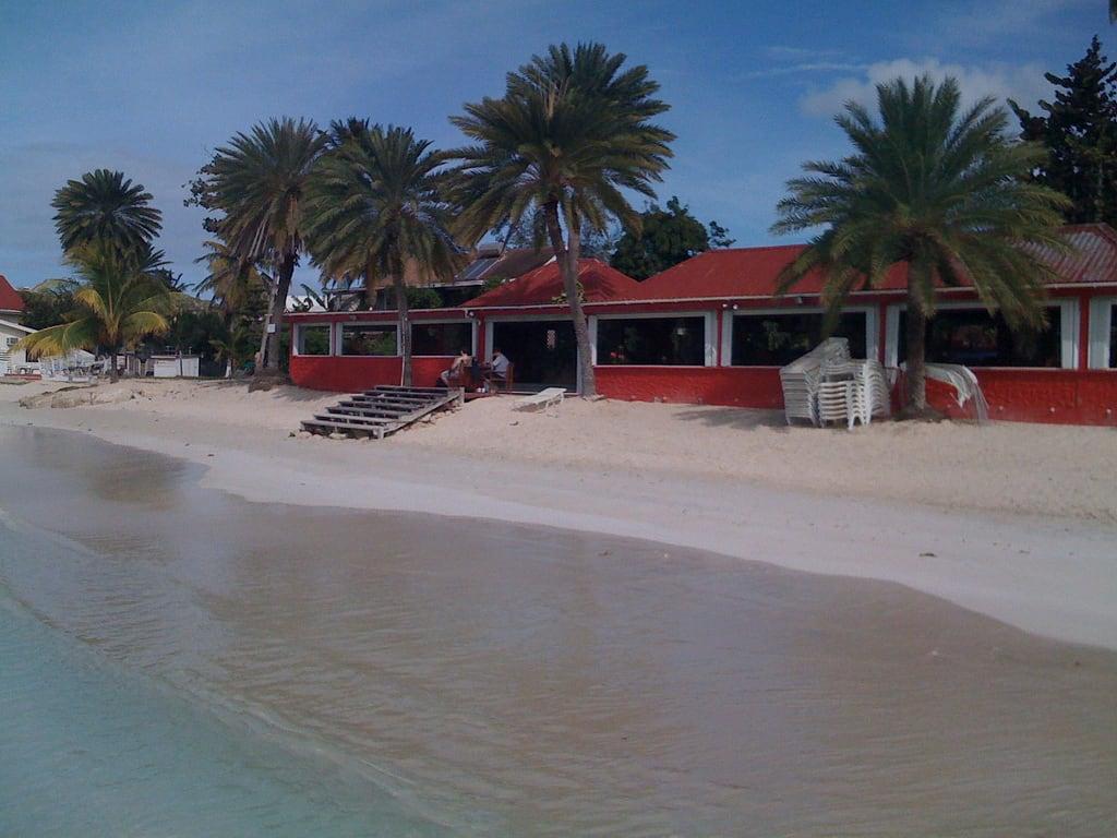 Runaway Beach の画像.