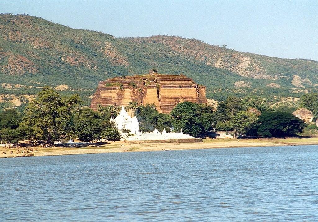 Imagen de Mingun Paya. mandalay mingunpaya burma myanmar mingun pagoda 1999