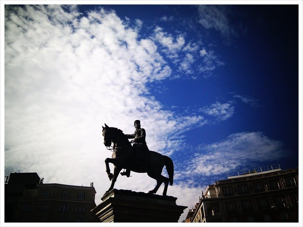 Bild av Estatua del Marqués del Duero. picplz