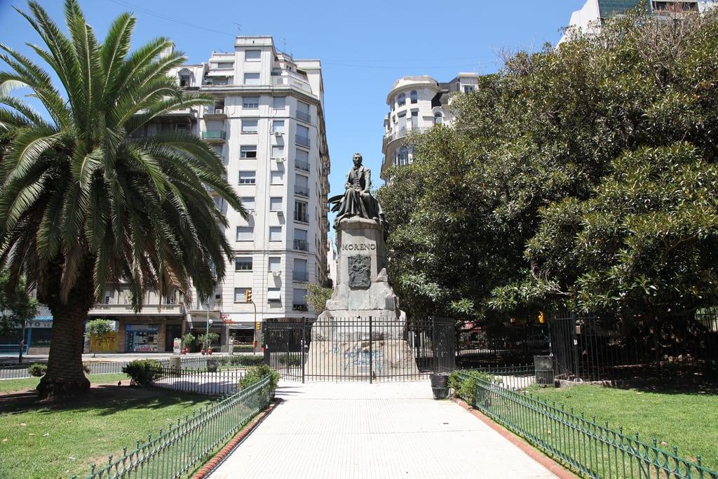 Image of Mariano Moreno. park plaza monument argentina statue buenosaires monumento marianomoreno plazamarianomoreno marianomorenoplaza