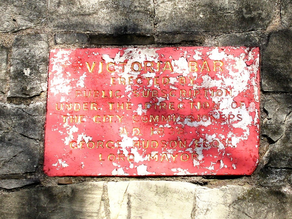 Bild von Victoria Bar. plaque