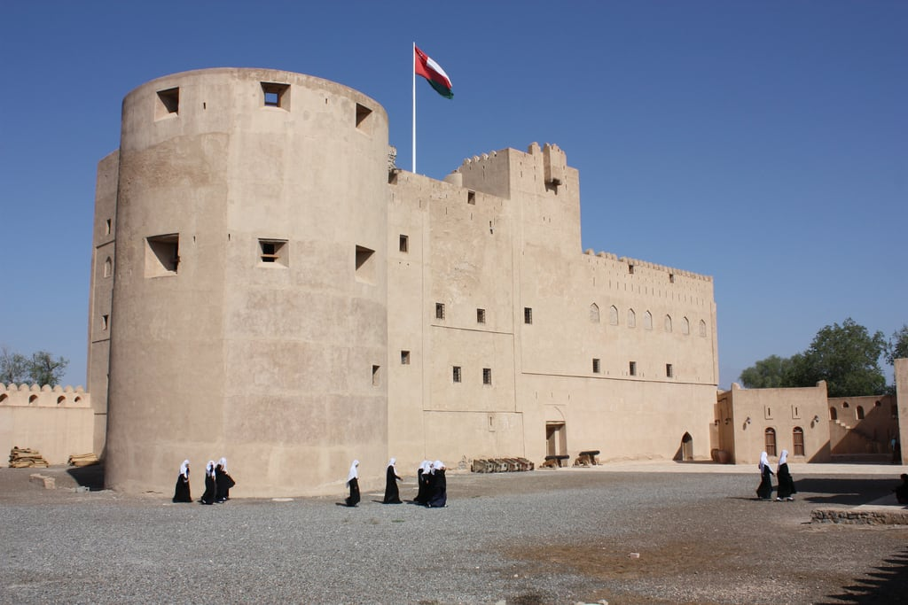 Kuva Jabrin Fort. jabreen fort schoolclass jabrin fortress oman castle yaruba imambilarabbinsultan bilarabbinsultan 2010