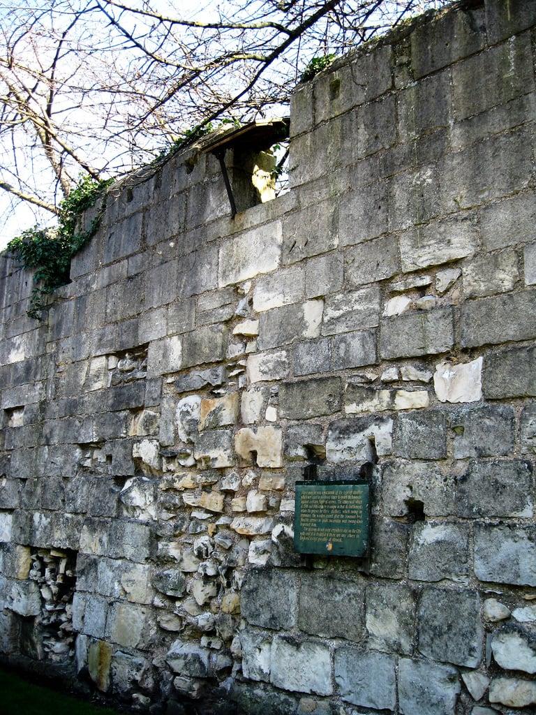 Bild von Abbey Wall. openplaques:id=9766