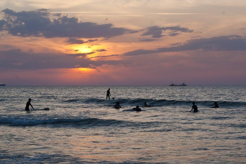 Bild von Barinatxe. sunset sea sun sol beach mar waves playa bilbao olas anochecer sopleana