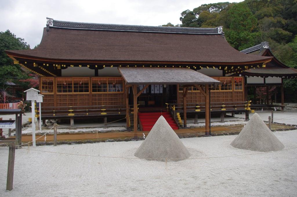 上賀茂神社 (Kamigamo Shrine) 的形象. kyoto 京都 上賀茂神社 kamigamoshrine 立砂