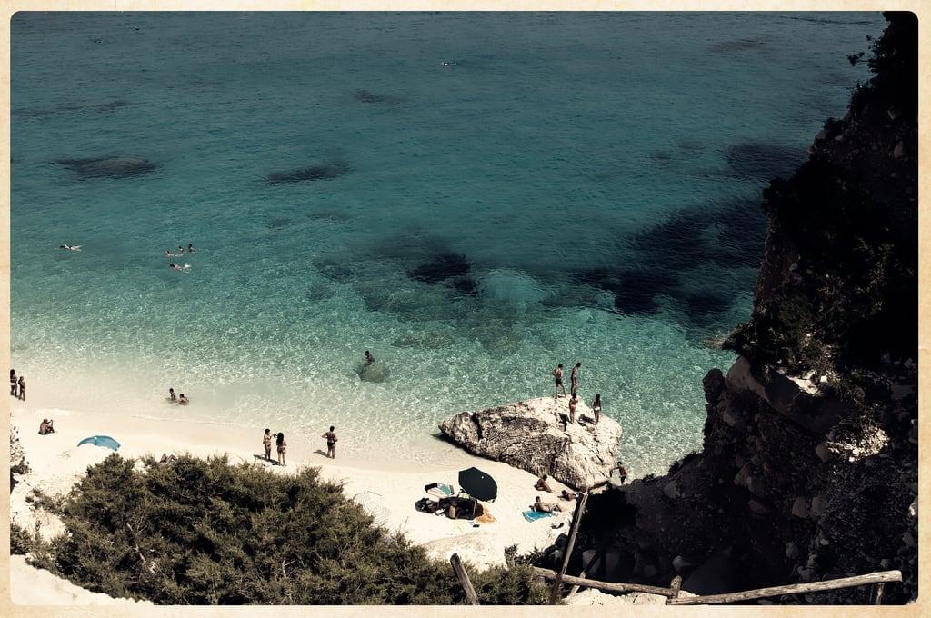 Cala Goloritzè 的形象. acqua beach calagoloritzè golfodiorosei holydays italia mar mare playa praia sardegna sea spiaggia travel trip vacanze vacation viaggi agua wasser water