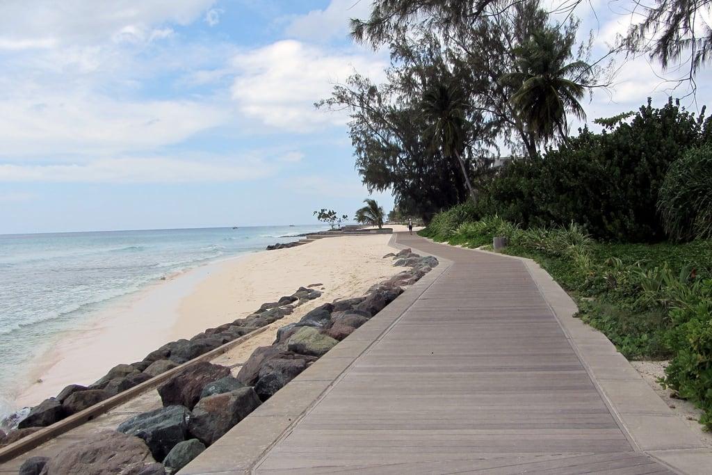 Bild av Rockley (AKA Accra) Beach. ocean travel sea vacation beach barbados boardwalk caribbean hastings accra rockley