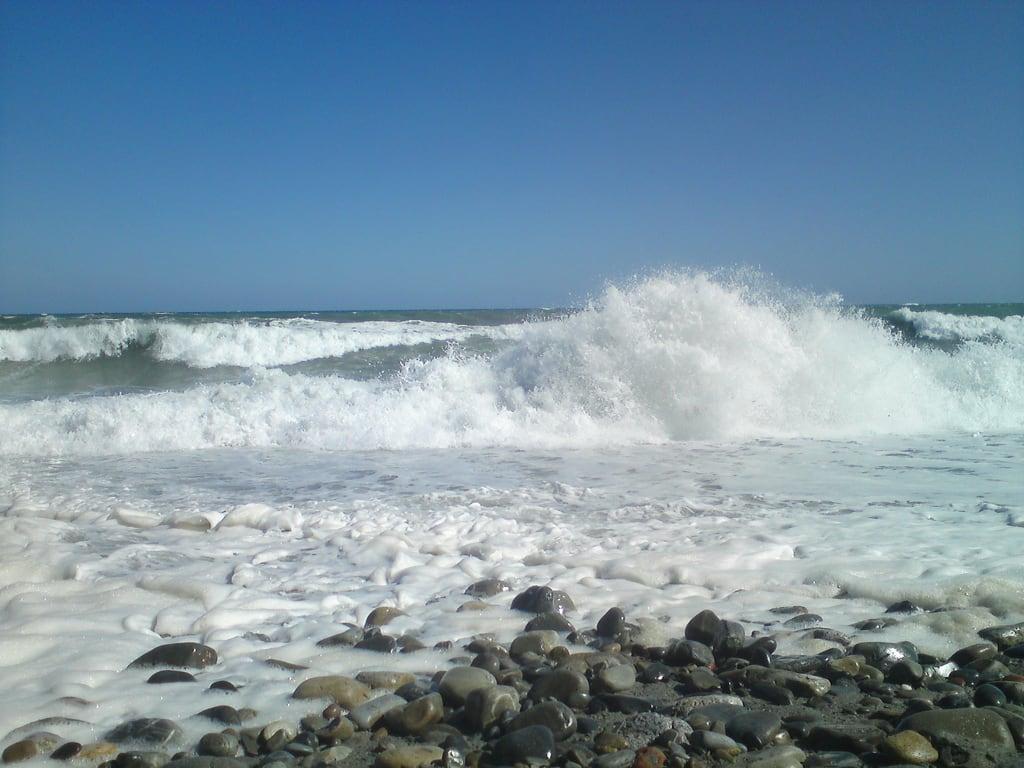 תמונה של Παραλία του Σατανά Máleme Beach. red sea vacation beach mobile stone diary wave greece crete море пляж волна камень отпуск крит греция