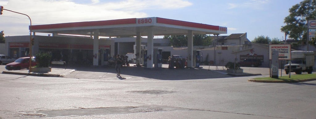 Image of San Pedro. argentina buenosaires gasstation esso sanpedro exxon petrolstation gasolinera fillingstation exxonmobil estacióndeservicio