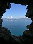Zdjęcie:   Grecja  Peloponez  (jaskinia, morze, kamień)